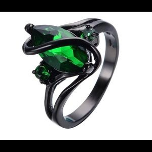 Jewelry - Black rhodium plated with green quartz ring